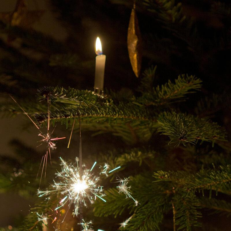 Gyertyák jelentése a karácsonyfán