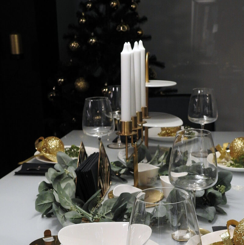 Gyertyák jelentése a karácsonyi asztalon