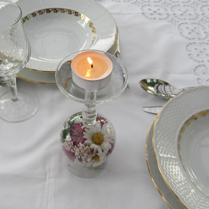 Teamécses dekoráció - talpas pohár
