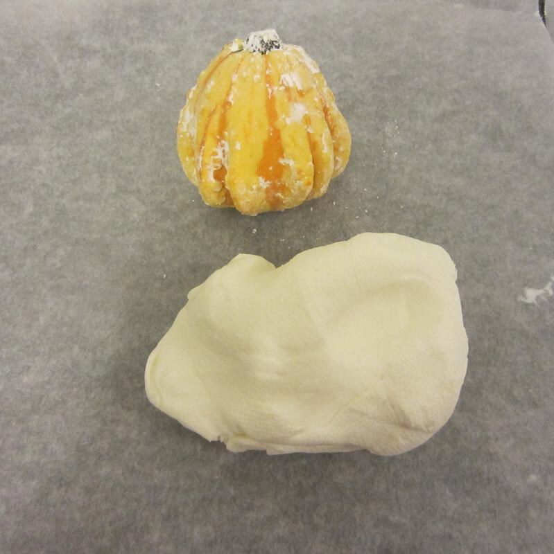 Szilikonos forma tészta állagú