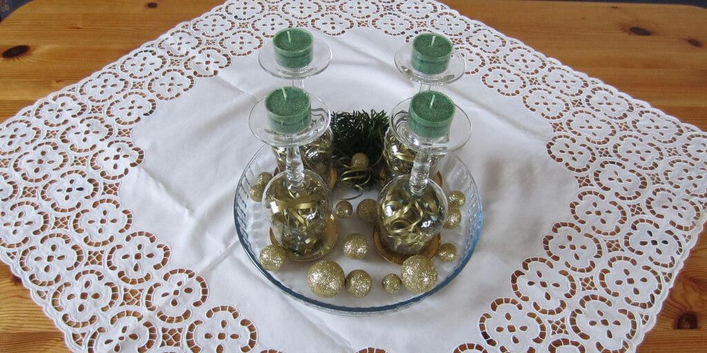 Adventi koszorú borospohárból – különleges és elegáns