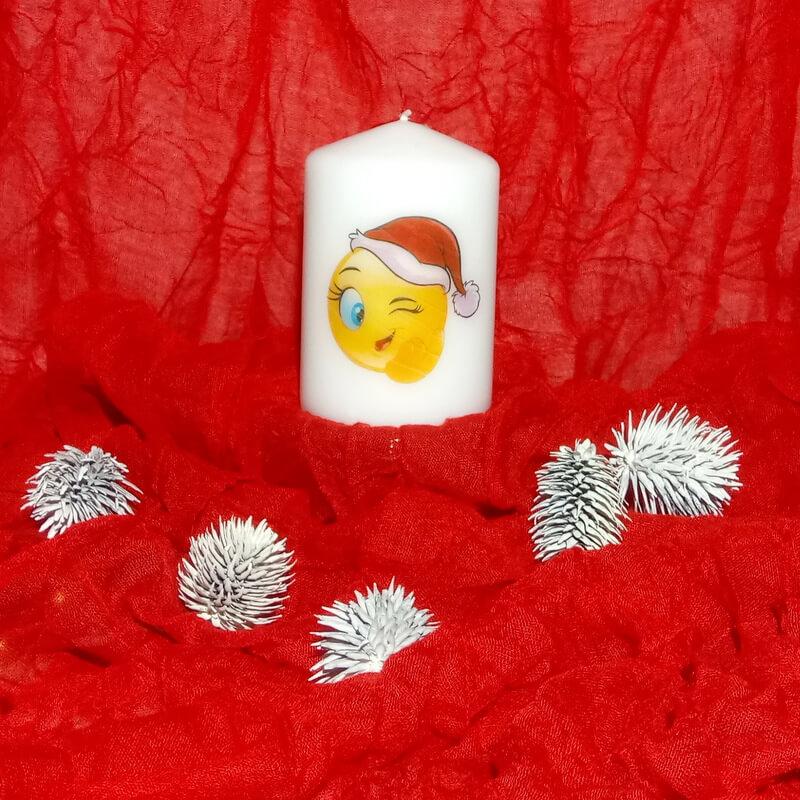 Olcsó karácsonyi gyertya mikulássapkás smiley képpel
